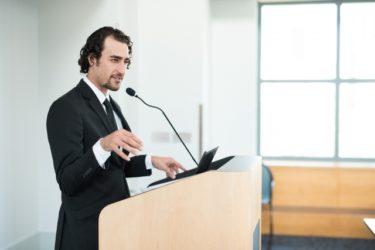 大学の運営を担う「大学職員」の役割を徹底解説!仕事内容や1日の流れ