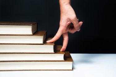 大学の図書館における総務課事務員の仕事内容について