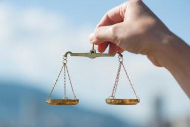 【業法規制と新興企業】- 既得権益か合理的な規制か
