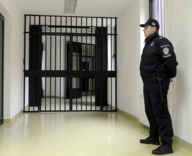 【現場の発言】大阪刑務所と福岡刑務所の刑務官が語る現場の声