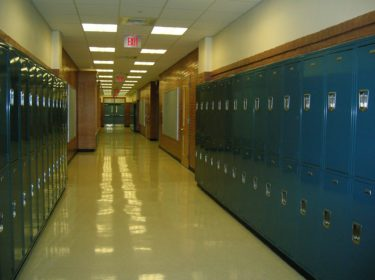 会議の時間が短い!保健室の先生からみた「公立高校あるある」