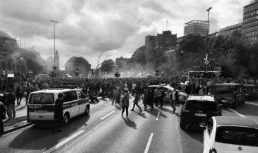 略奪や暴徒化も!黒人暴行死による抗議デモが広がるアメリカの様子