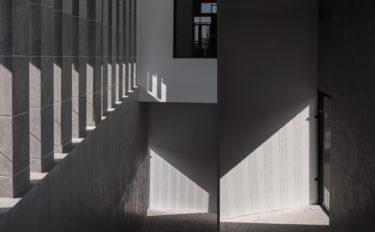 公立美術館「O美術館」の基本情報(沿革・施設・職員数など)